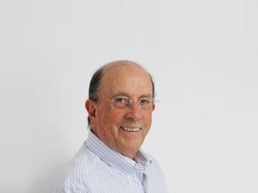 Dr. Maurício Noviello